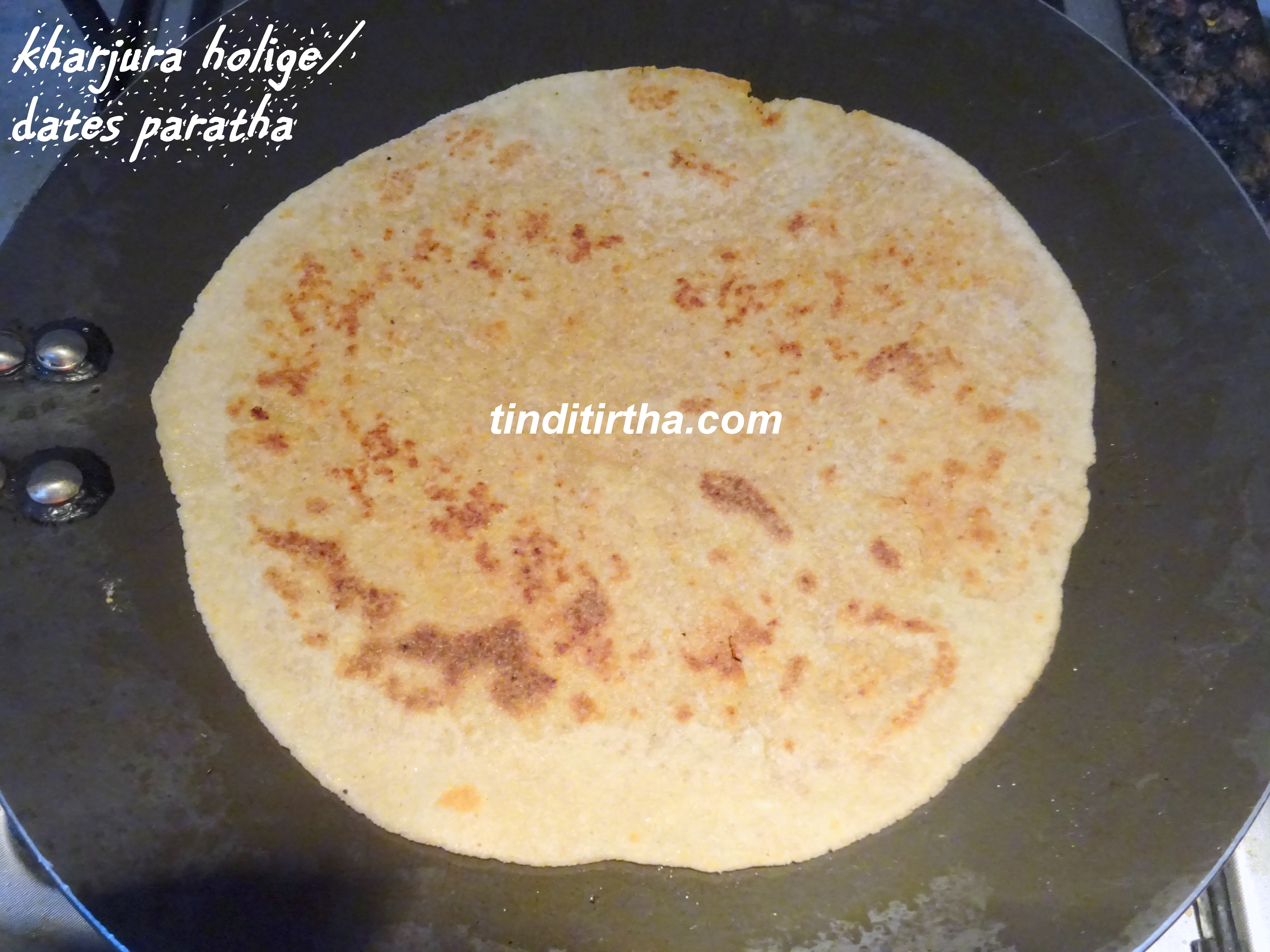 DATES AND SESAME SWEET PARATHA/ KHARJURA HOLIGE/ KHAJUR KI POORANPOLI